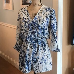 Sweet looking Romper size medium in blue and white
